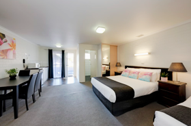 Large family Suite with Double & 2 singles at Frankston Motel